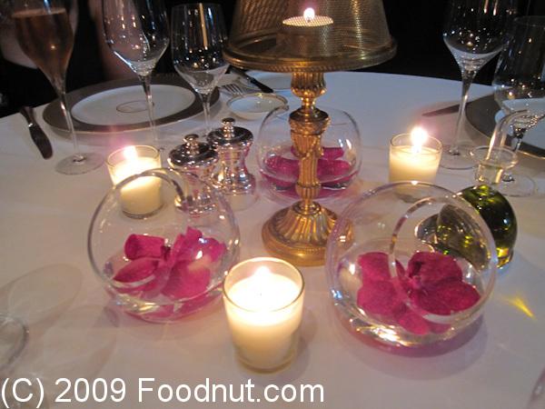 Le cinq restaurant review paris france four seasons for Decoration de table
